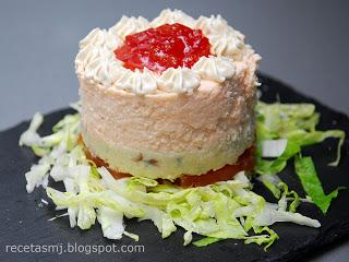Receta de timbal de mousse de salmón con mermelada de tomate