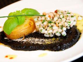 Receta de hamburguesa de calamar con pesto negro
