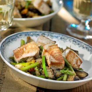 Tacos de atún con verduras