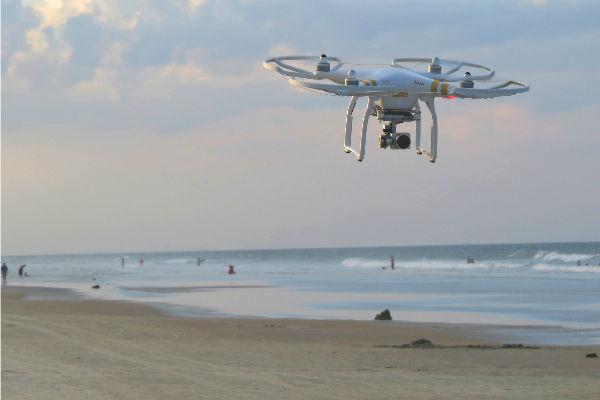 Drones en la costa