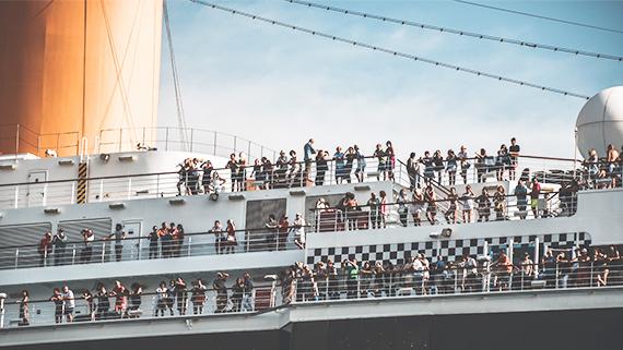 El Puerto de Vigo abaratará las tasas portuarias para atraer más escalas de cruceros