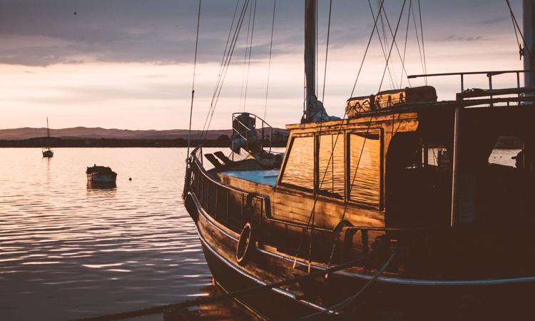 La pesca artesanal, nueva actividad turística en torno a las islas Cíes
